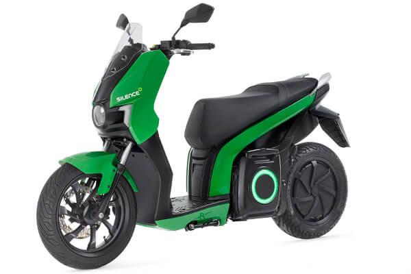 Modelo de moto eléctrica en alquiler1